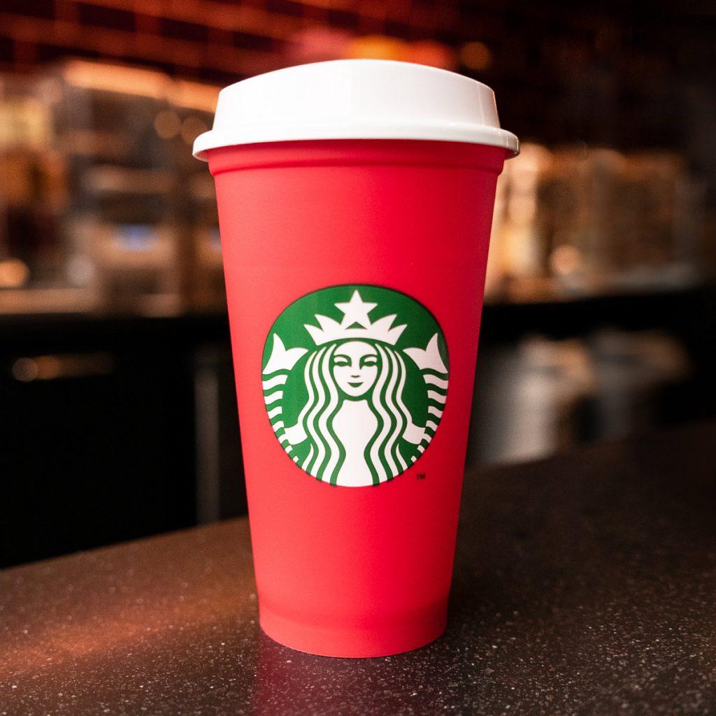 sviatky v Starbucks